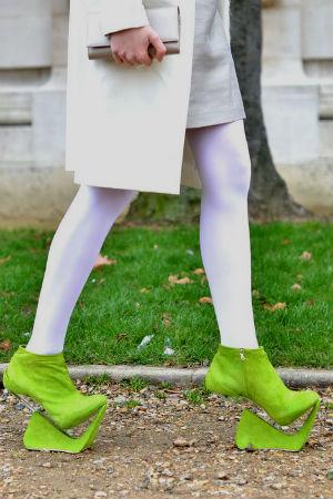 Фото самых модных готовых платьев с туфлями