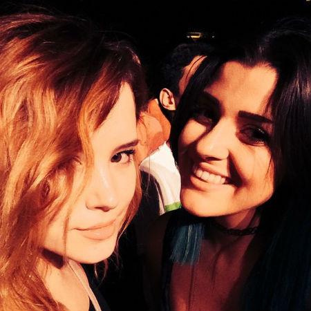 Саванна Миллс - лучшая подруга Тейлор.