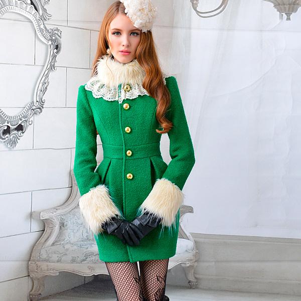 s-chem-nosit-zelenoe-palto-27