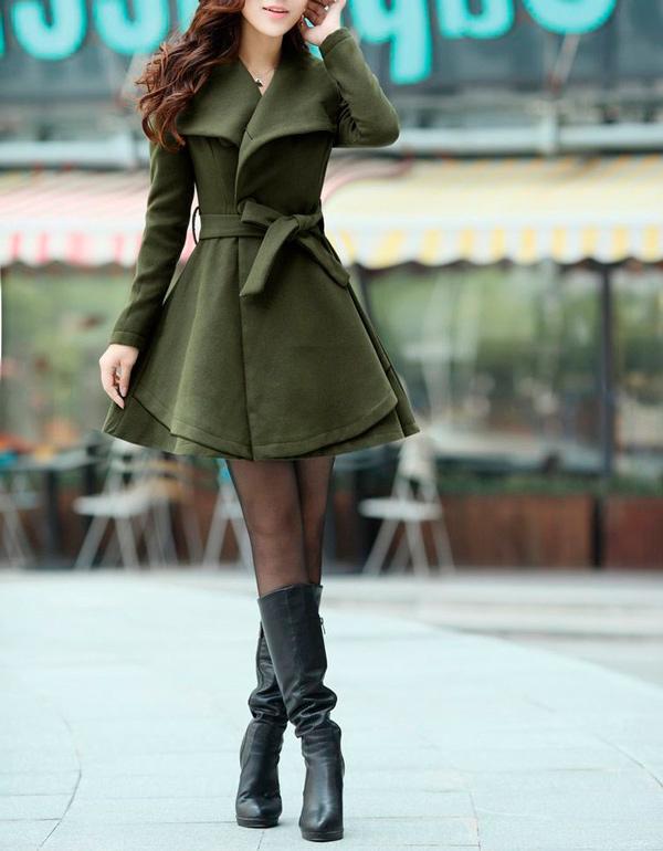 s-chem-nosit-zelenoe-palto-30