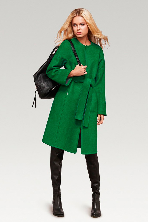s-chem-nosit-zelenoe-palto-34