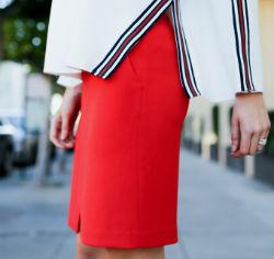 С чем носить красную юбку карандаш: рекомендации (более 50 фото)