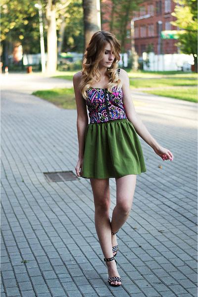 Зеленая юбка – модный тренд (более 30 фото стильных образов)