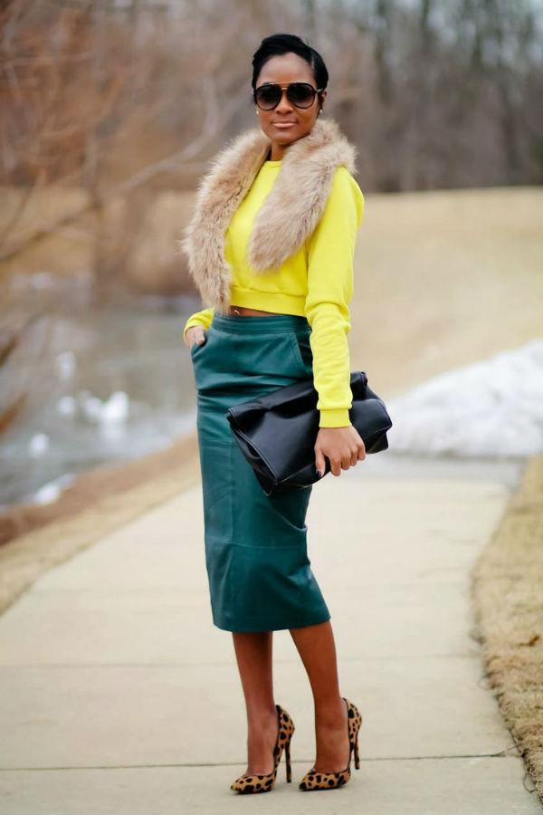С каким цветом сочетать зеленую юбку