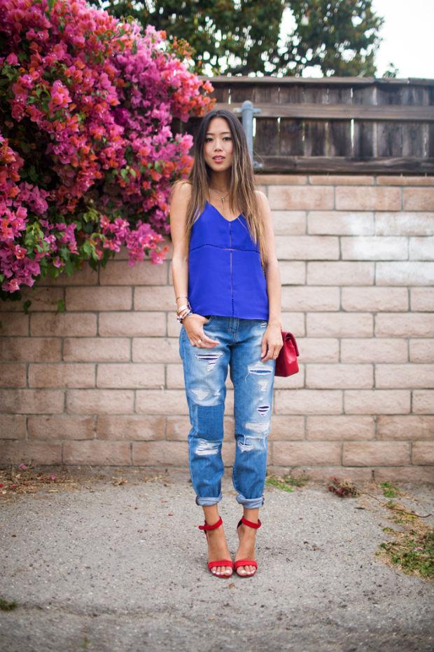 Что носить с красными босоножками: более 50 модных образов