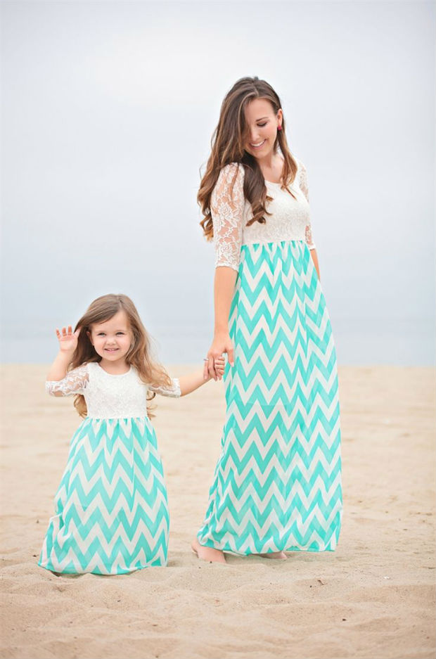 Одинаковые образы мамы и дочки (более 40 фото со стильным луками)