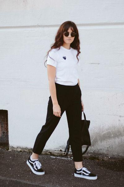 Самые стильные образы с белой женской футболкой (более 50 фото)