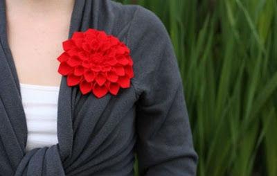 Фетровая брошь в виде цветка своими руками – быстро и просто
