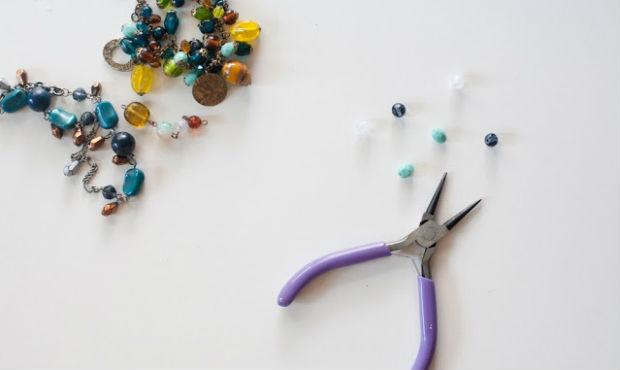 Цепочка с бусинами – элементарное и красивое украшение своими руками