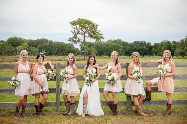 Подружки с невестой.