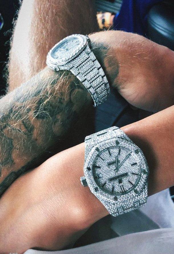 Шикарный подарок: Джастин Бибер приобрел парные часы для себя и Хейли Болдуин