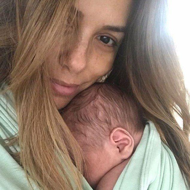 Безмятежные выходные актрисы Евы Лонгории с сыном Сантьяго