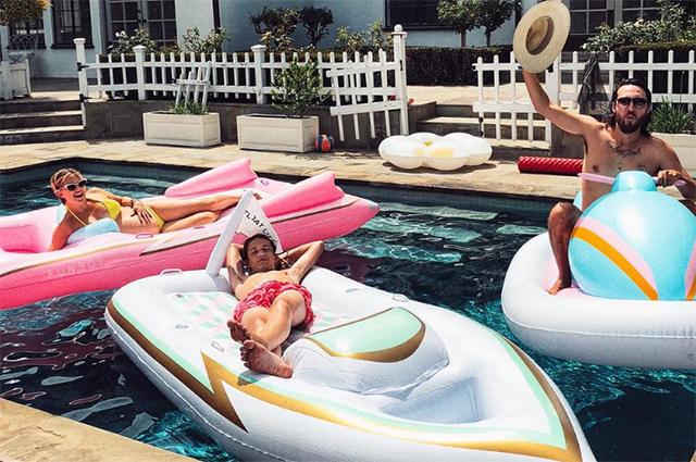 Беременная Кейт Хадсон отдыхает в Калифорнийском спа-отеле