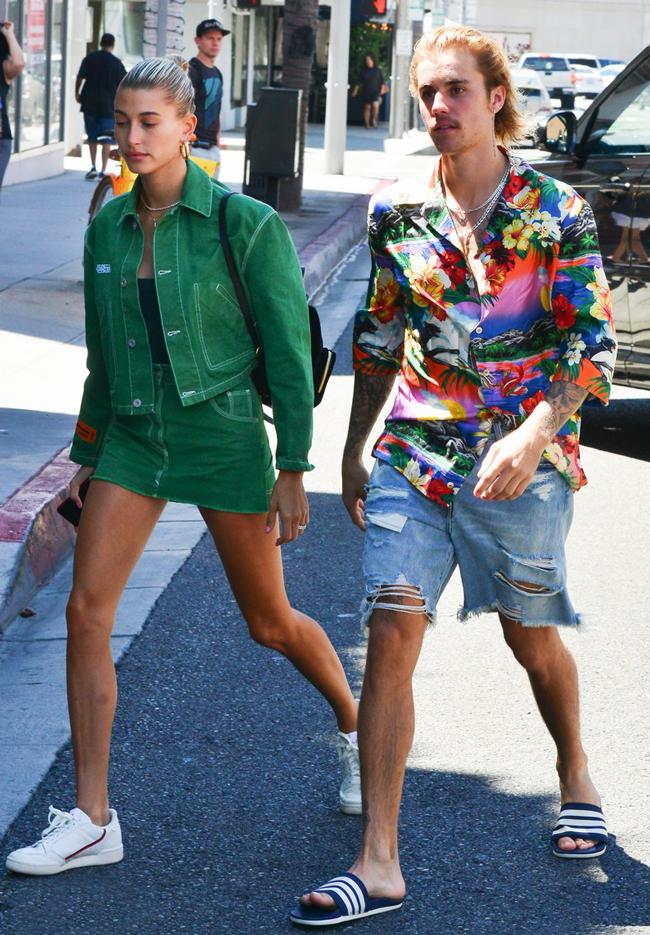 Модные Джастин Бибер и Хейли Болдуин были замечены в Беверли-Хиллз
