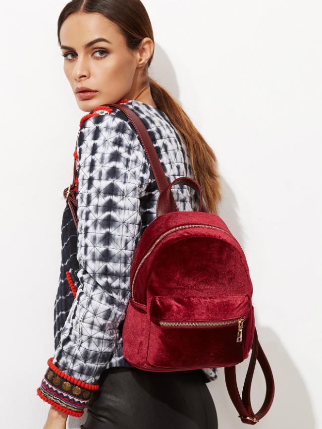 С чем носить красный рюкзак - тренд всех сезонов (более 40 фото)