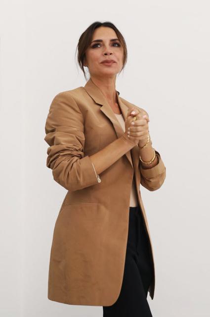 Все прошло идеально: на модном показе Виктории Бекхэм присутствовала вся ее семья