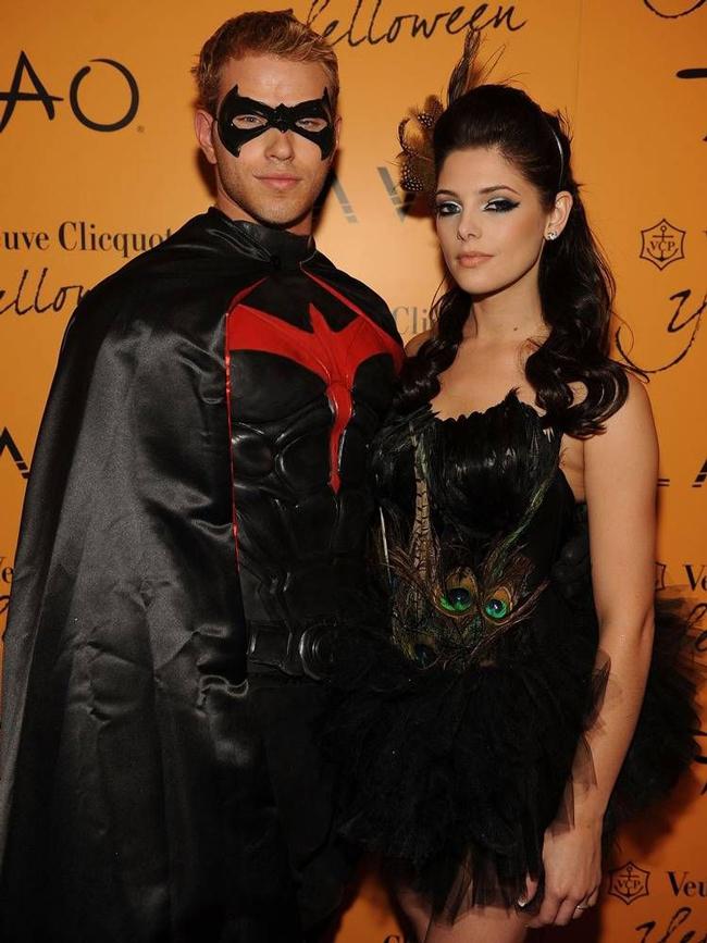 Самые лучшие костюмы знаменитостей на Хэллоуин (35 фото звезд)