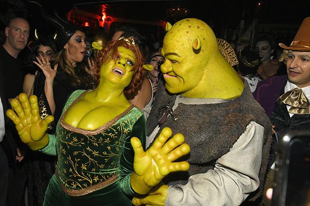 Хайди Клум нарядилась на Хэллоуин принцессой Фионой и уехала со Шреком на карете