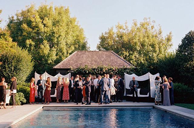 Гвинет Пэлтроу показала подборку фото со своей свадьбы с Брэдом Фэлчаком