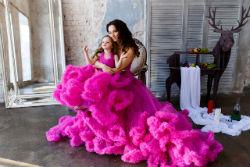 Одинаковая одежда для мамы и дочки.