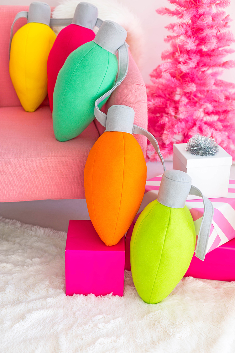 Как сшить подушку в виде лампочки своими руками (Новогодний декор)